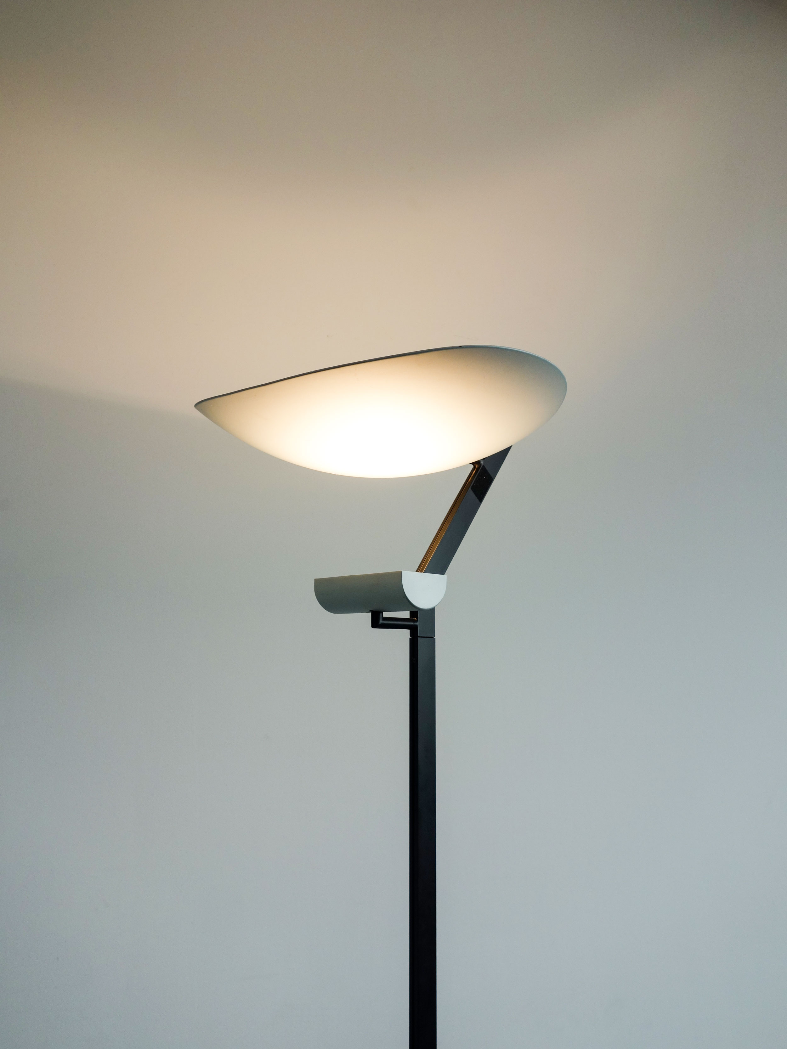 artemide stehlampe zen terra. Black Bedroom Furniture Sets. Home Design Ideas